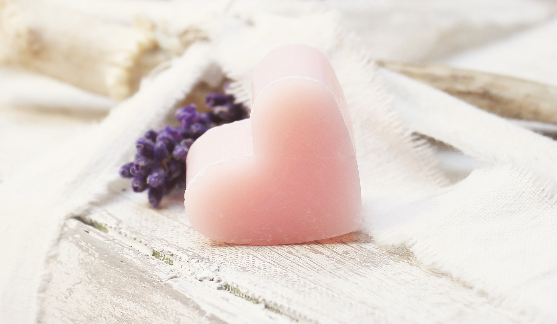 Heart Candle Pink